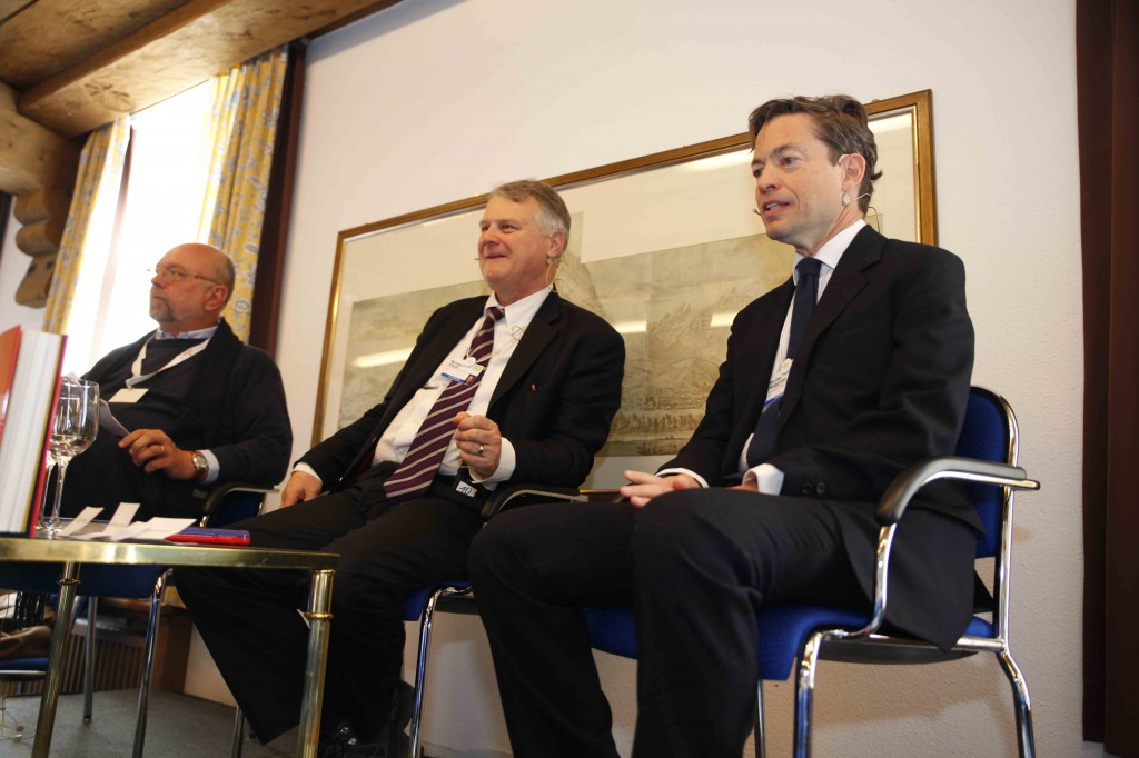 World Economic Forum: Nathan Gardels and Nicolas Berggruen (speaking) discuss their book with Michael Elliott (center)